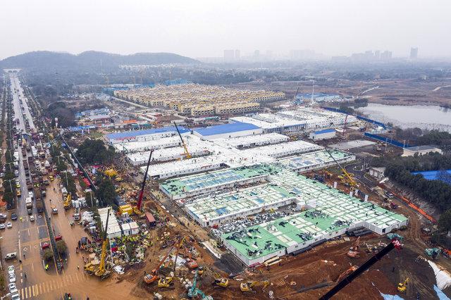 Çin'in koronavirüs nedeniyle 10 günde inşa ettiği hastane açıldı - Haberler