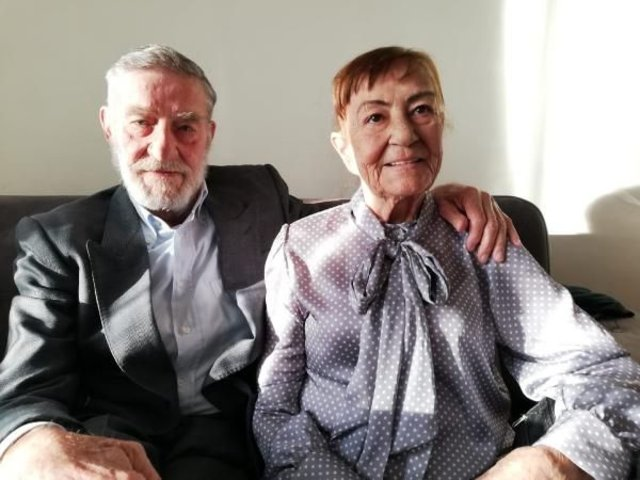 Ahmet Mekin, eşini gözyaşlarıyla son yolculuğuna uğurladı - Magazin haberleri
