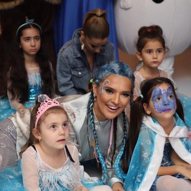 Demet Akalın-Okan Kurt çiftinin kızları Hira 6 yaşında - Magazin haberleri