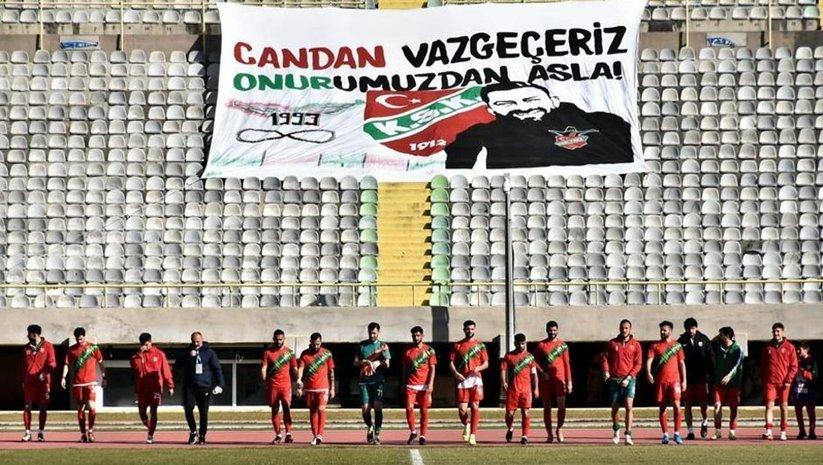 Karşıyakalı futbolculardan jest