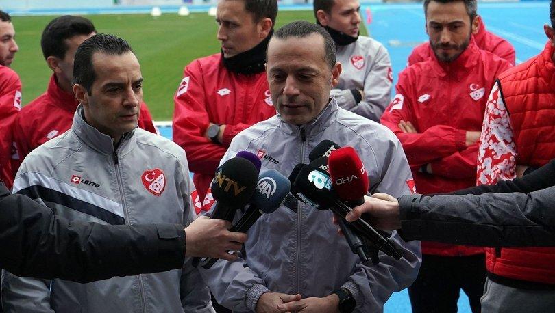 Hakemler ve milli sporcular, yenilenen Burhan Felek Atletizm Stadı'nı gezdi