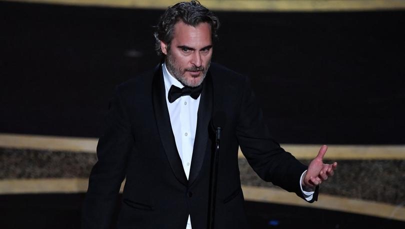 Joaquin Phoenix: Kendimizde bir ineği yapay olarak dölleyip yavrusunu çalma hakkını görüyoruz
