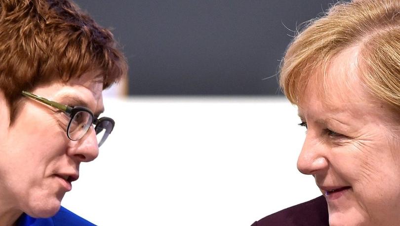 Annegret Kramp-Karrenbauer - Almanya'da Merkel'in halefi istifa etti