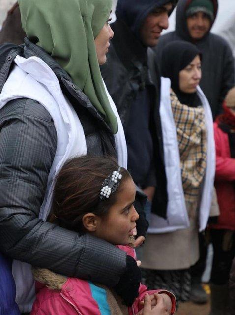Gamze Özçelik İdlib'e umut oldu - Magazin haberleri