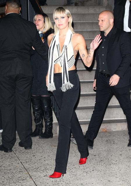Miley Cyrus: Instagram kaldırmadan bakın! - Magazin haberleri
