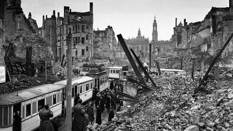 Dresden bombardımanının 75. yılı: Müttefiklerin 2. Dünya Savaşı'ndaki en tartışmalı saldırısı