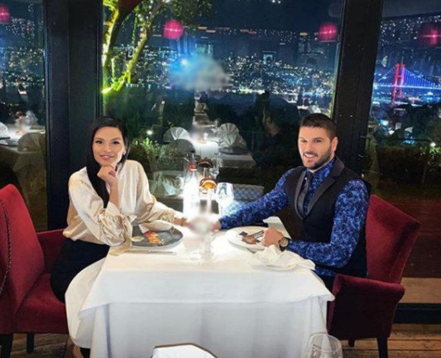 Romantic night of Tolgahan Sayisman and Almeda Abazi