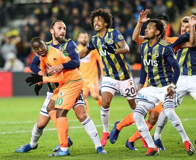 Ankaragücü - Fenerbahçe maçı saat kaçta hangi kanalda? FB maçı muhtemel 11'ler