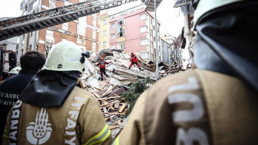 7 katlı binanın çökme anı kamerada!