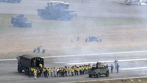 Venezuela'da geniş katılımlı askeri tatbikat