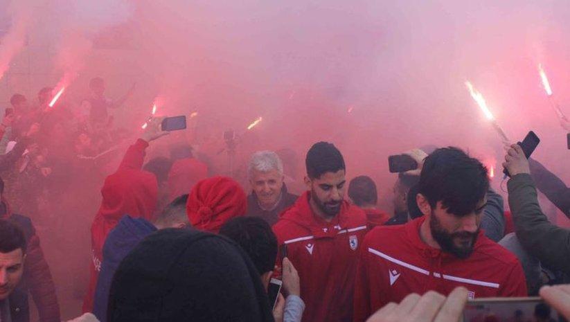 Samsunspor'a meşaleli karşılama