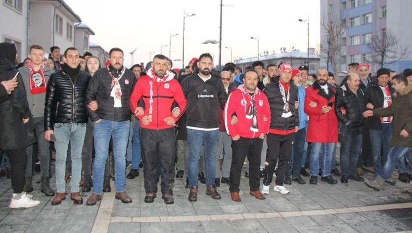 Sivas'ta hakemlere tepki yürüyüşü