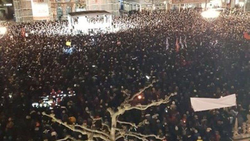 Binlerce kişi yürüdü! Almanya'da ırkçı saldırıda ölenler anıldı