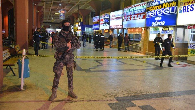 Adana'da silahlı bıçaklı kavga: 3 yaralı