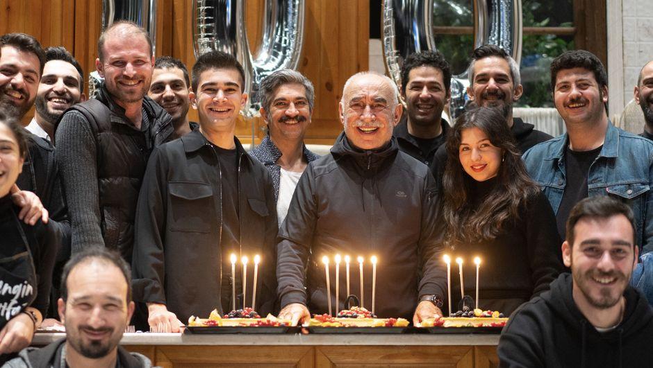 Şener Şen'li Zengin Mutfağı'ndan 100. oyun kutlaması
