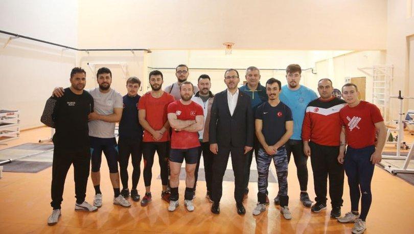 Bakan Kasapoğlu'ndan olimpiyat yolcusu sporculara ziyaret