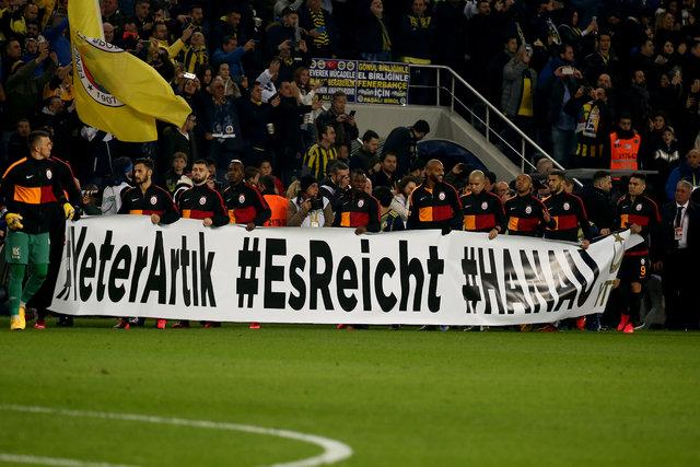 Fenerbahçe - Galatasaray maçında ekranlara yansımayan o anlar!