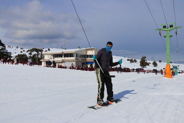 Salda'da göl manzaralı kayak keyfi