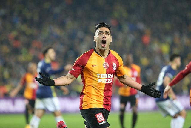 """Fenerbahçe Galatasaray derbisi yazar yorumları! """"6-1, 7-1 bile bitebilirdi..."""""""