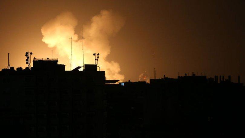 İsrai'lden Gazzede farklı noktalara hava saldırısı: 4 yaralı