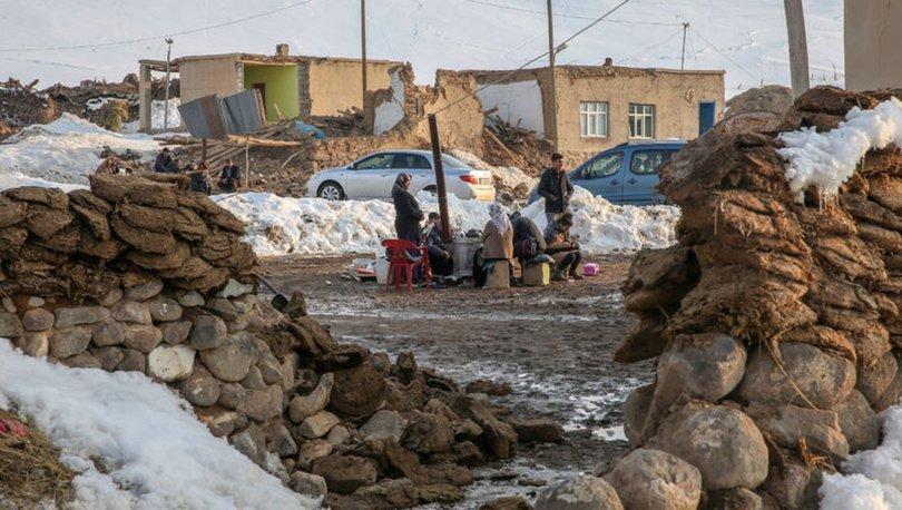 Son dakika haberleri... Türkiye beşik gibi! Van ve Manisa'da depremler korkuttu