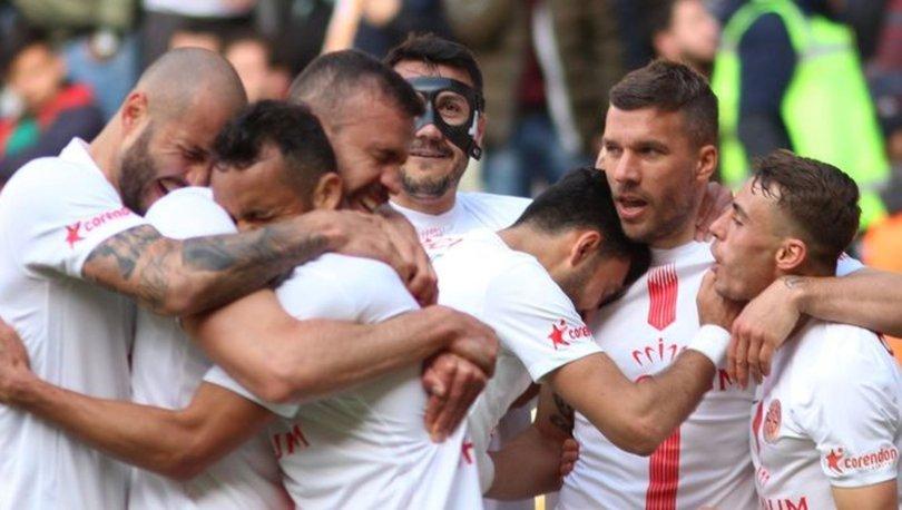 Antalyaspor, yenilmezlik serisini Fenerbahçe maçında sürdürmek istiyor