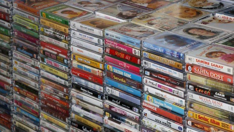 46 yıldır biriktirdiği kasetlerle nostalji keyfi yapıyor