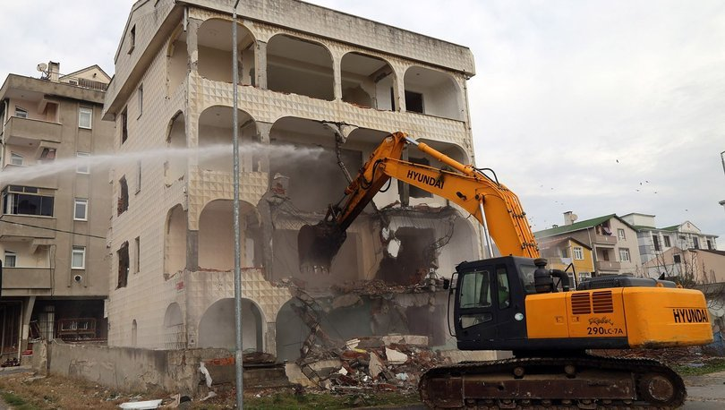 Son dakika haberler! Deprem riski taşıyan 4 bina daha yıkıldı!