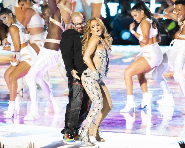 Jennifer Lopez ve Shakira'nın şovlarına şikayet yağdı - Magazin haberleri