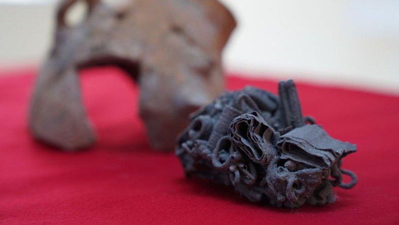Smyrna Antik Kenti kazılarında gümüş takılar bulundu