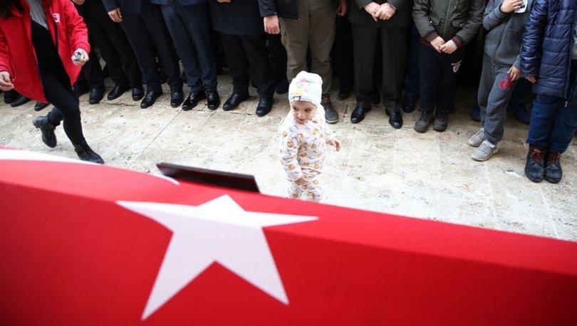 Son dakika haberler! İdlib şehidi Selman Cankara'nın cenazesinde yürekleri dağlayan o anlar!