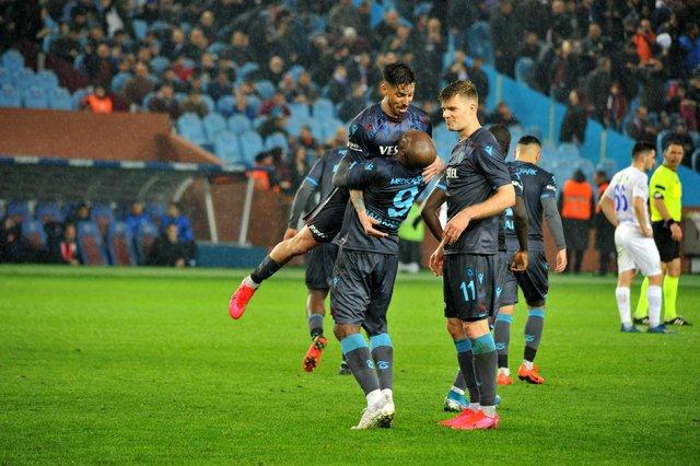 """Trabzon'da yerel basın şampiyonluğa kenetlendi! """"Selam sana şampiyon!"""""""