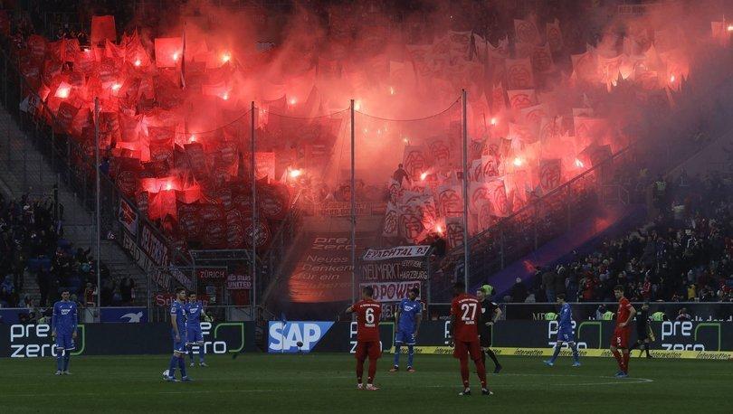 Hoffenheim - Bayern Münih maçında futbolcular, protestolara karşı taraftarı protesto ettiler