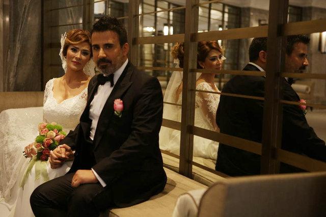 Şarkıcı Emrah'ın eşi Sibel Erdoğan'dan boşanma açıklaması - Magazin haberleri