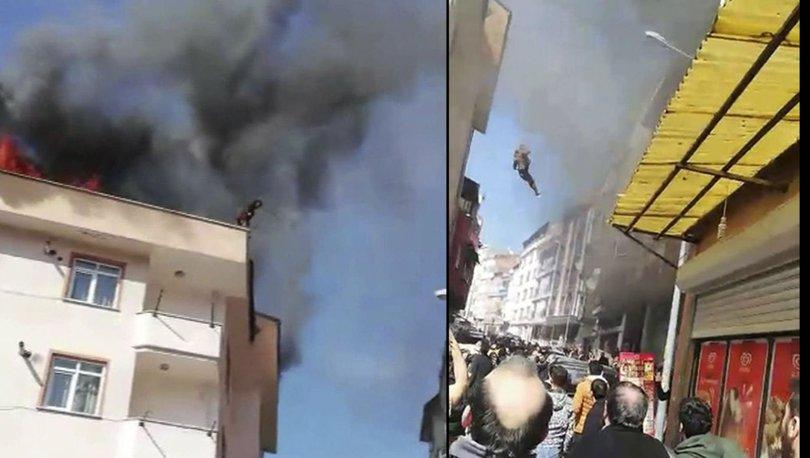 Son dakika haberi... Çatıda çıkan yangında can pazarı! Alevlerden böyle kaçtı