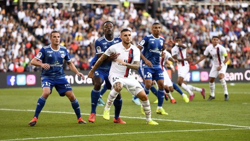 Fransa Birinci Futbol Ligi'nde ( Ligue 1) oynanacak Strasbourg-Paris Saint-Germain(PSG) maçı yeni tip koronavirüs (Kovid-19) salgını nedeniyle ertelendi.