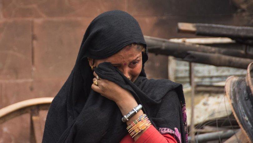 Pakistanda şiddetli yağışlar nedeniyle kerpiç evler çöktü: 17 ölü