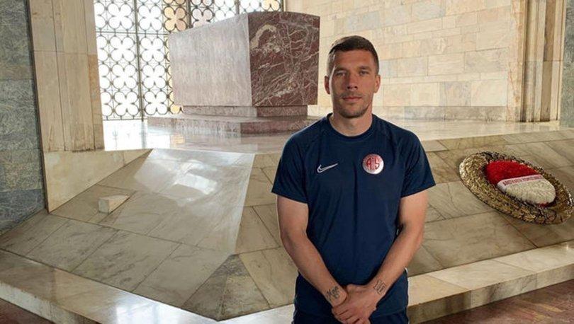 Lukas Podolski, Anıtkabir'i ziyaret etti