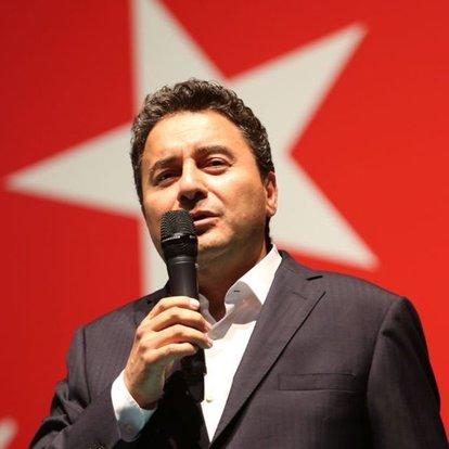 Demokrasi ve Atılım Partisi'nde Ali Babacan oy birliği ile genel gaşkan seçildi