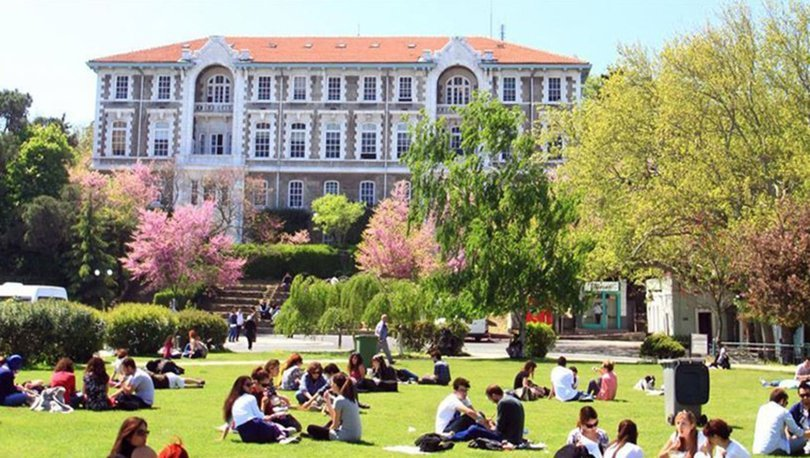 Üniversiteler tatil olur mu