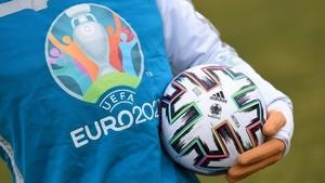 Koronavirüs (Covid-19): Daily Telegraph, UEFA'nın Salı günü EURO 2020'nin bir yıl ertelenmesini oylamasının beklendiğini yazdı