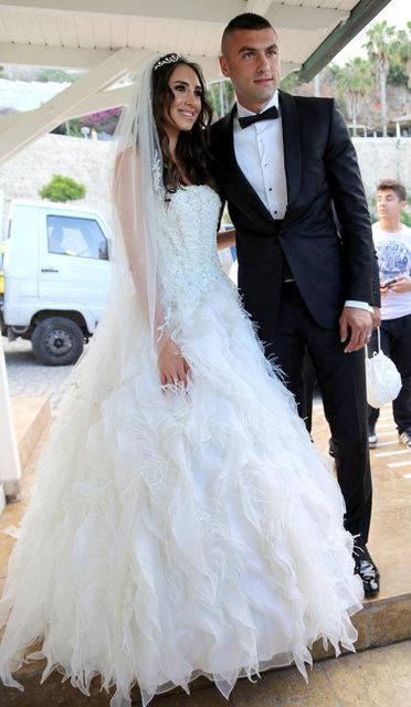 Futbolcu Burak Yılmaz: Boşanmadık, mutluyuz - Magazin haberleri