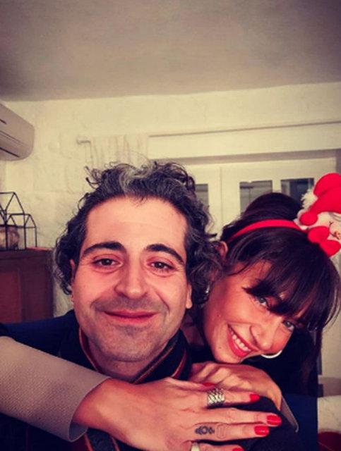 Hazer Amani'den Sıla Gençoğlu ile 'mutluluk' pozu - Magazin haberleri