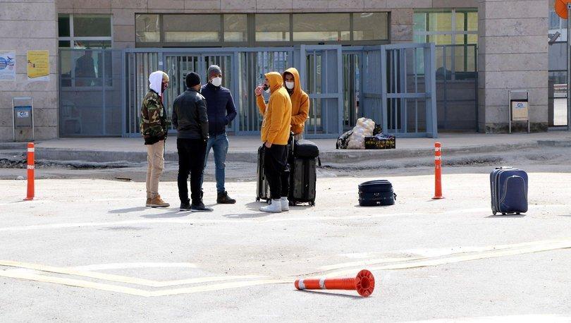 Son dakika haberler... Kapıköy'ün kapatıldığından haberi olmayan İranlılar kapıda kaldı!
