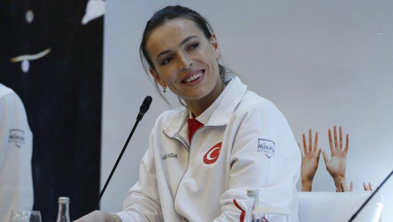 A Milli Kadın Voleybol Takımı'nın kaptanı Eda Erdem Dündar, olimpiyatların ertelenmesini değerlendirdi