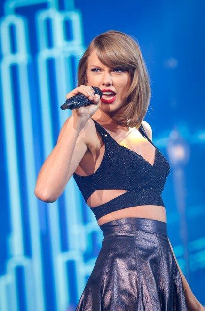 Taylor Swift, koronavirüsten (corona virüsü) etkilenen hayranlarına 3'er bin dolar dağıttı - Magazin haberleri