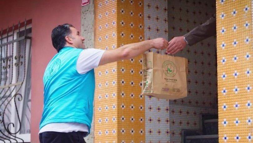 İstanbul'da 'evde kalan' vatandaşlara sıcak yemek desteği