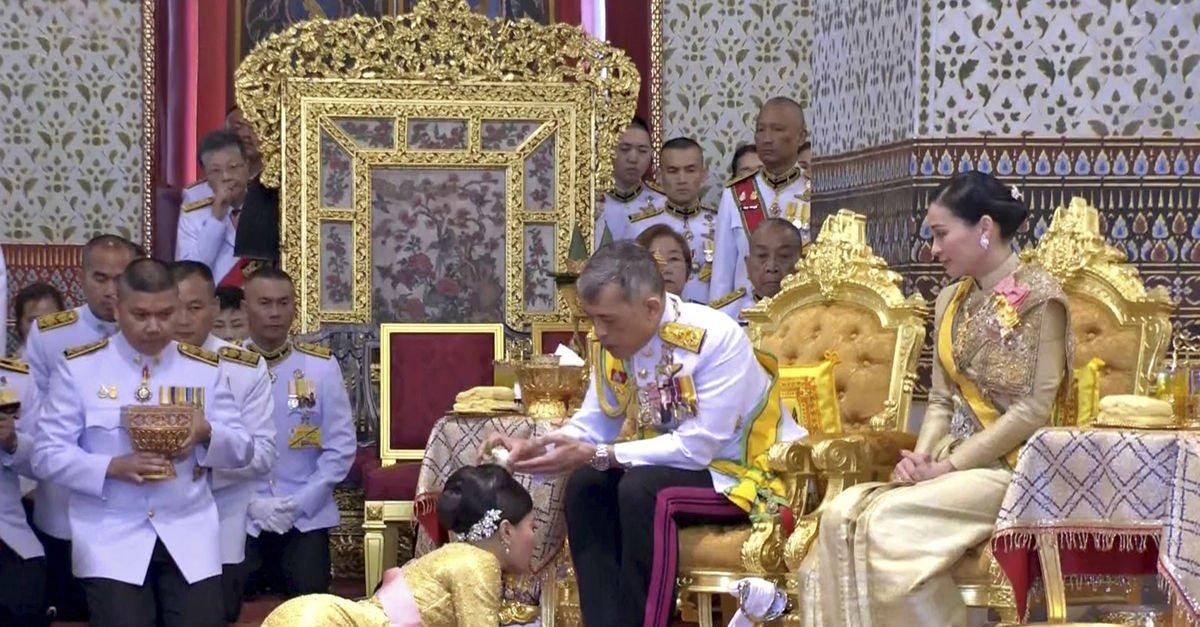 Taylandlı vatandaşlar tepki gösterdi