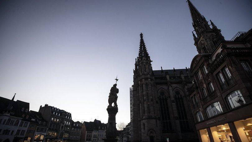Fransa'da koronavirüs kiliseden yayıldı iddiası