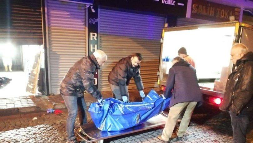 SON DAKİKA HABERİ! Fatih'te 3 katlı binada çıkan yangında bir kişi hayatını kaybetti